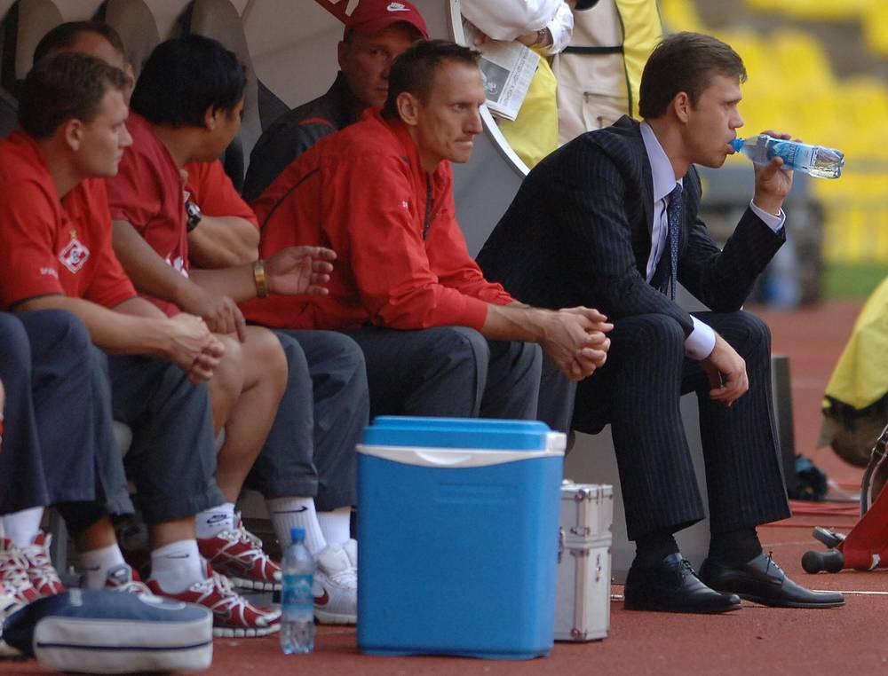 Игорь Ледяхов занимал пост и.о. наставника столичной команды меньше месяца после отставки Станислава Черчесова. В сентябре 2008 года он вошел в новый тренерский штаб