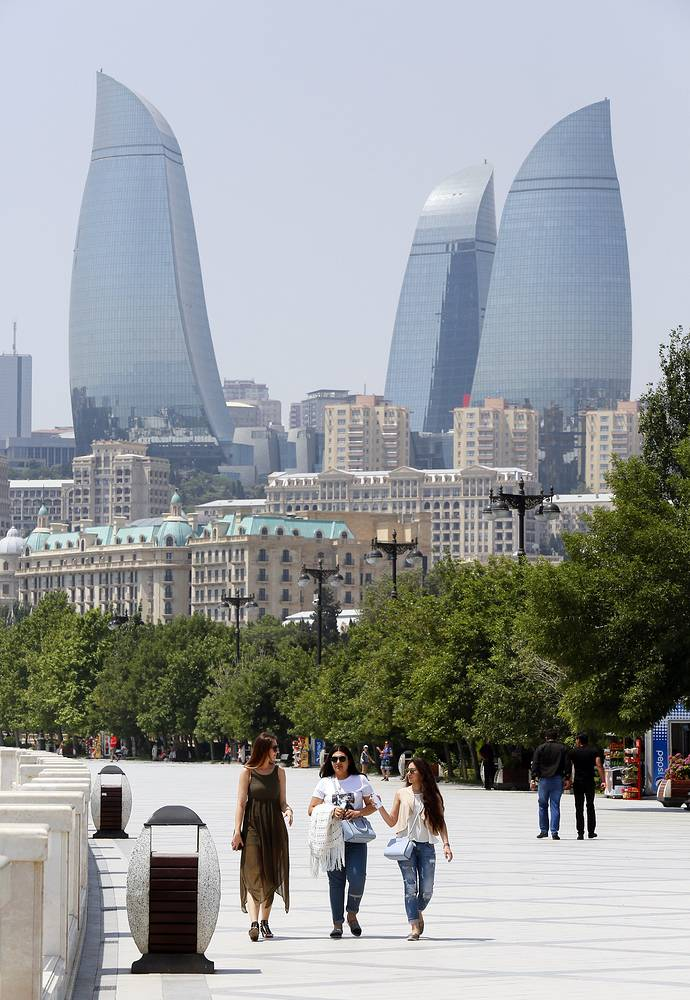 Набережная Каспийского моря в Баку