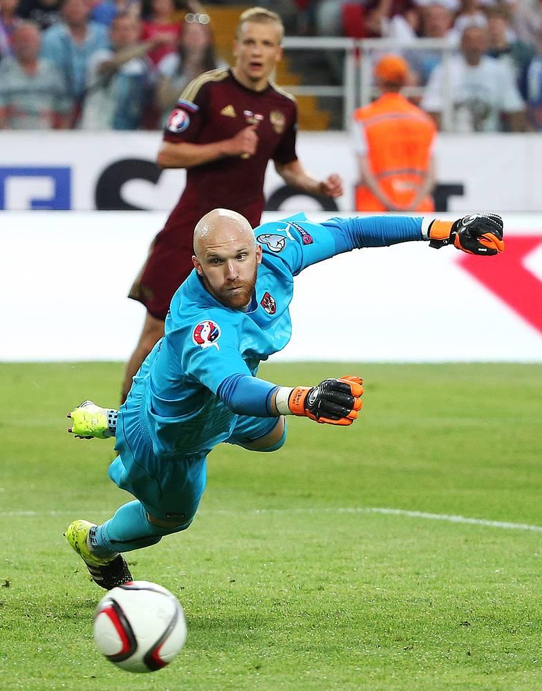 Игроки сборной России редко вынуждали вступать в игру вратаря австрийцев Роберта Альмера