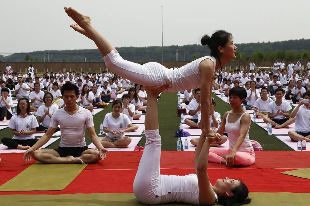 Международный день йоги в Пекине, Китай