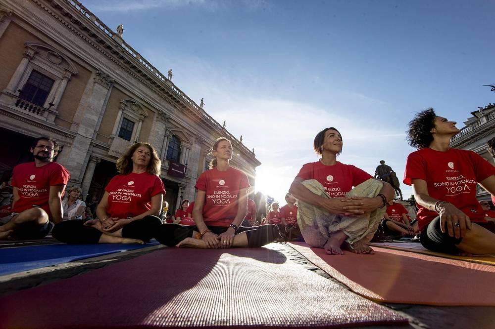 Международный день йоги Риме, Италия
