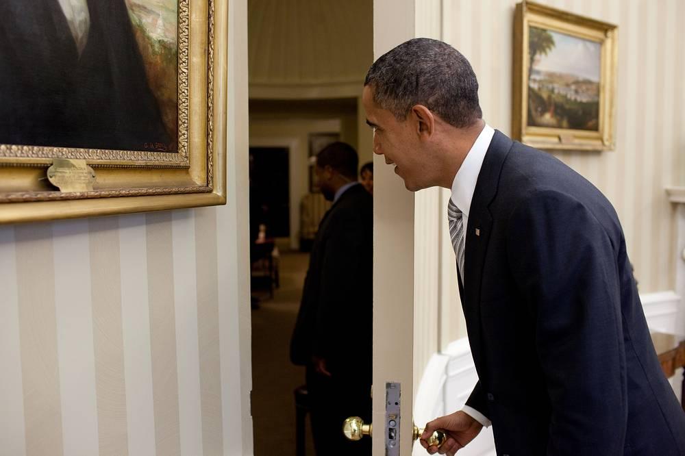 Барак Обама в Овальном кабинете, 2010 год