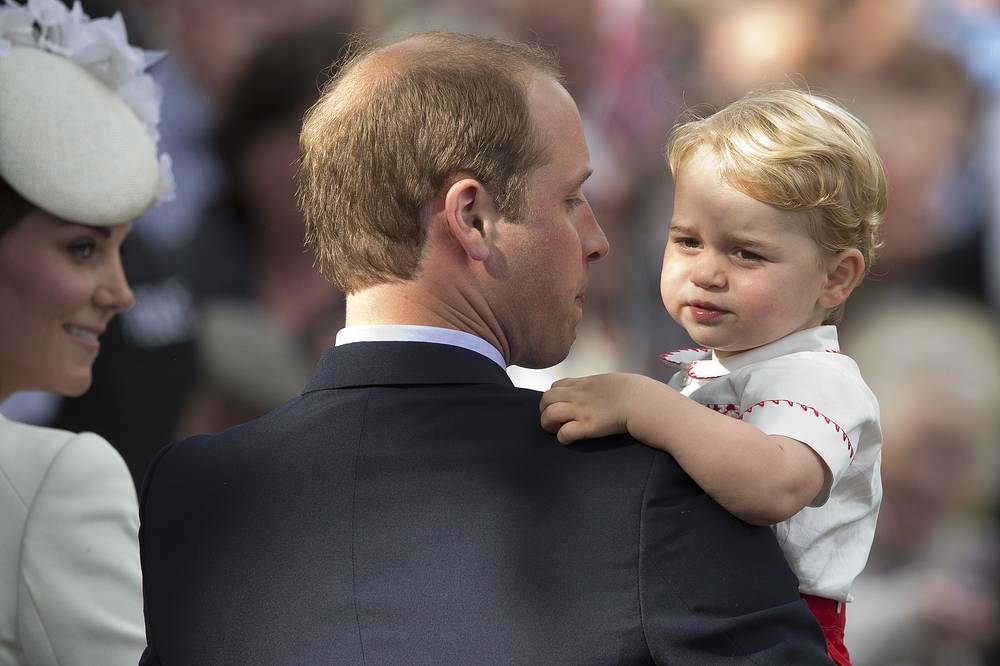 Герцог и герцогиня Кембриджские с принцем Джорджем