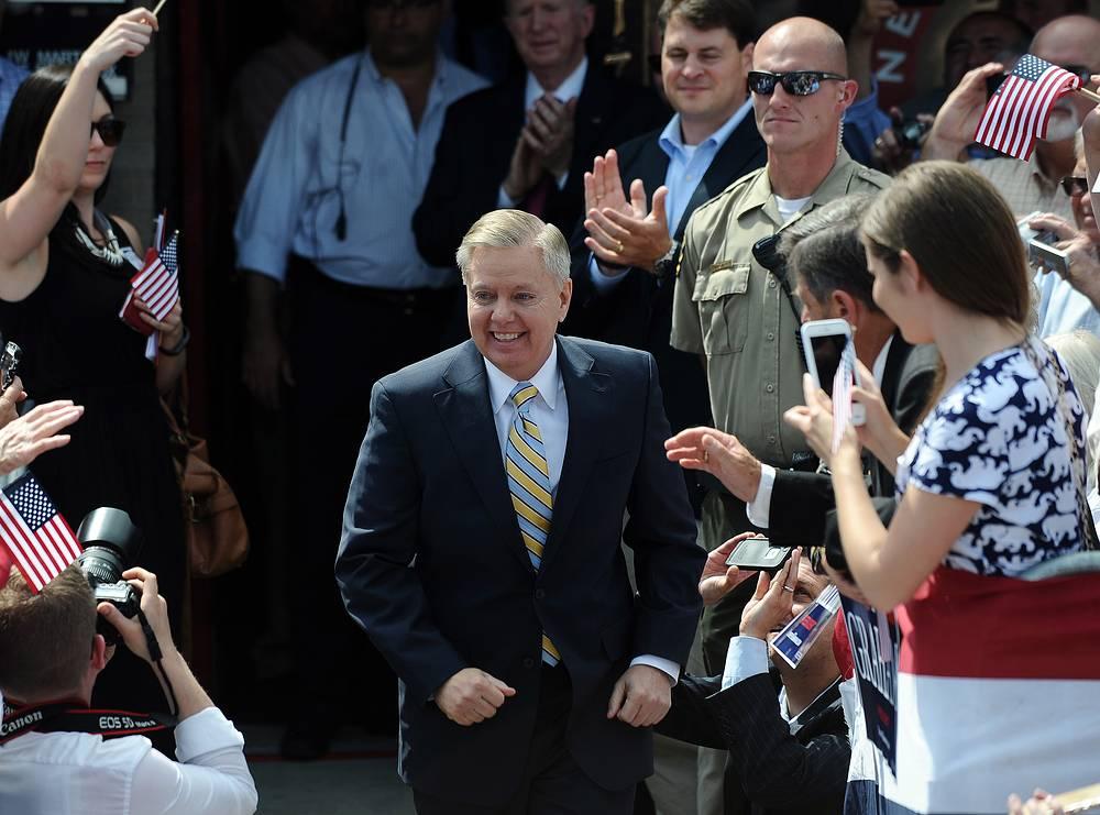 Сенатор от Южной Каролины Линдси Грэм, Республиканская партия, 59 лет. Вышел из президентской гонки 21 декабря 2015 года