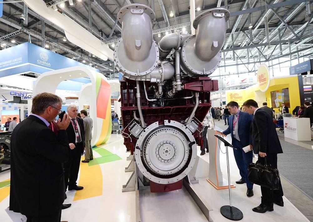 """Шестнадцатицилиндровый V-образный дизельный двигатель нового поколения на международной промышленной выставке """"Иннопром"""" презентовала группа """"Синара"""""""