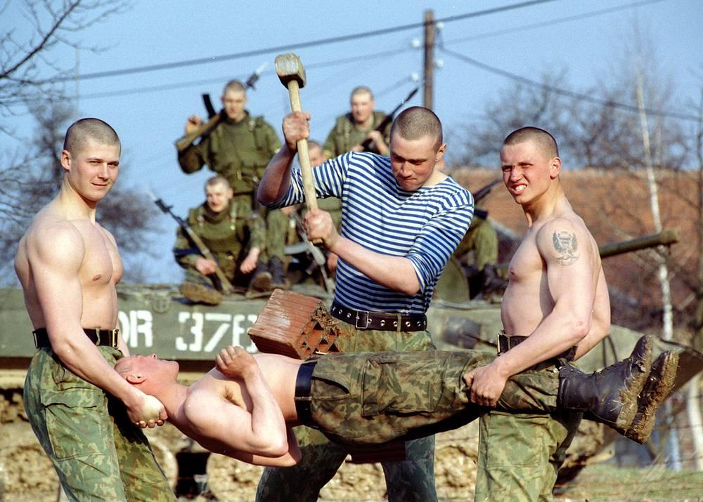 В 1996 году контингент российских миротворцев в составе сил ООН в бывшей Югославии достиг максимальной численности в 1600 человек