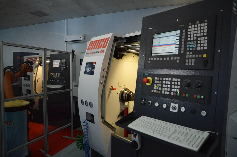 Токарный обрабатывающий станок MAXXTURN-45