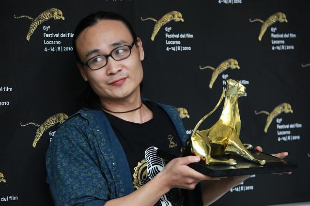 """В 2010 году победа досталась режиссеру Ли Хунци и его картине """"Зимние каникулы"""" (Winter Vacation)"""