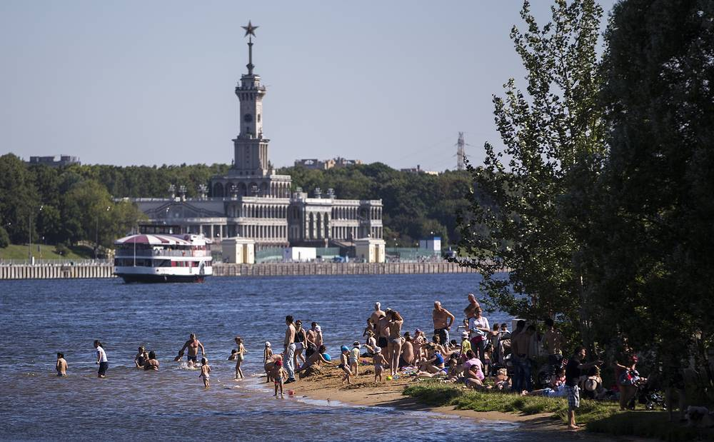 """Пляж в парке """"Северное Тушино"""", Москва"""