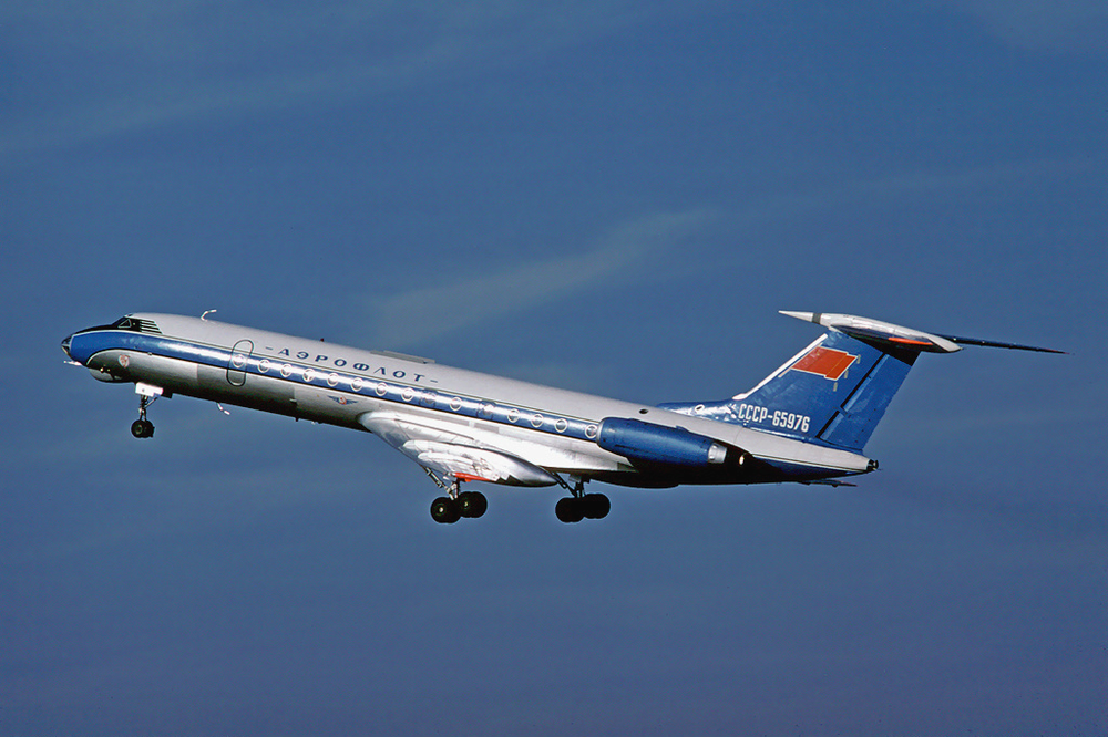 Одним из самых массовых пассажирских самолетов, собиравшихся в Советском Союзе, стал Ту-134. Всего, вместе с опытными и предсерийными образцами, было построено более 800 единиц всех модификаций