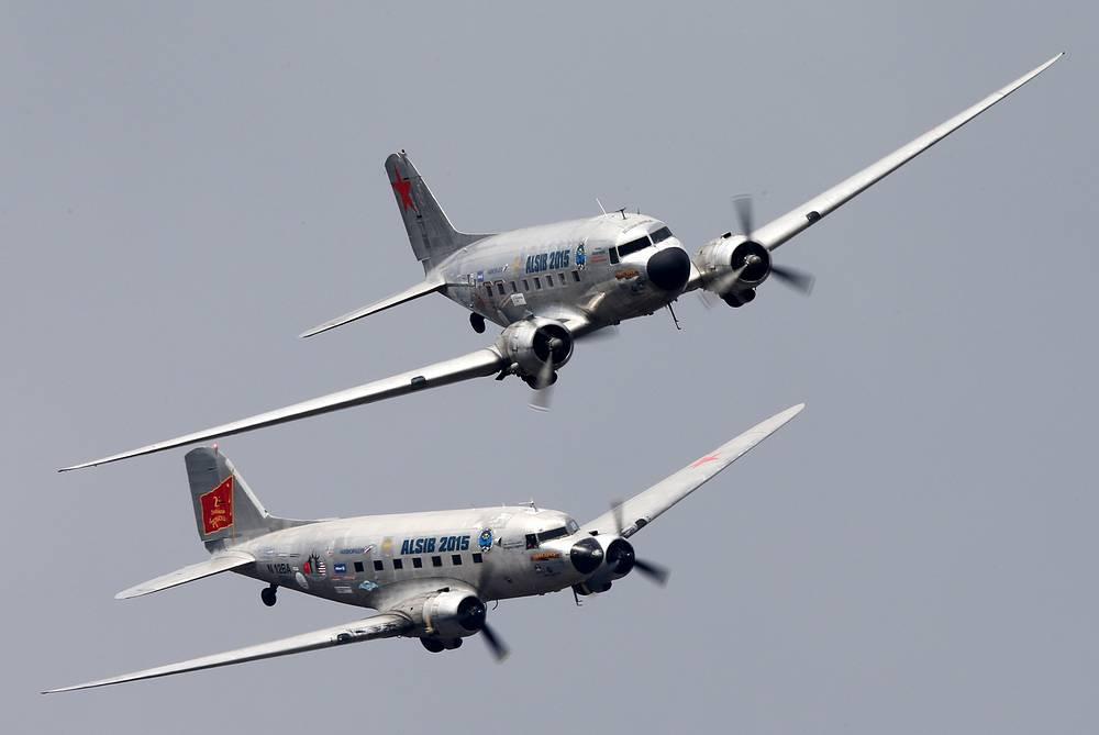 Cамолеты времен Великой Отечественной войны Douglas DC-3