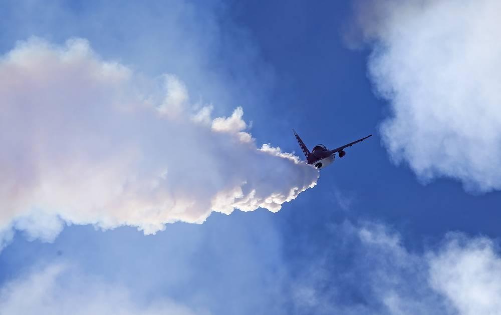 Российский учебно-боевой самолет Як-130