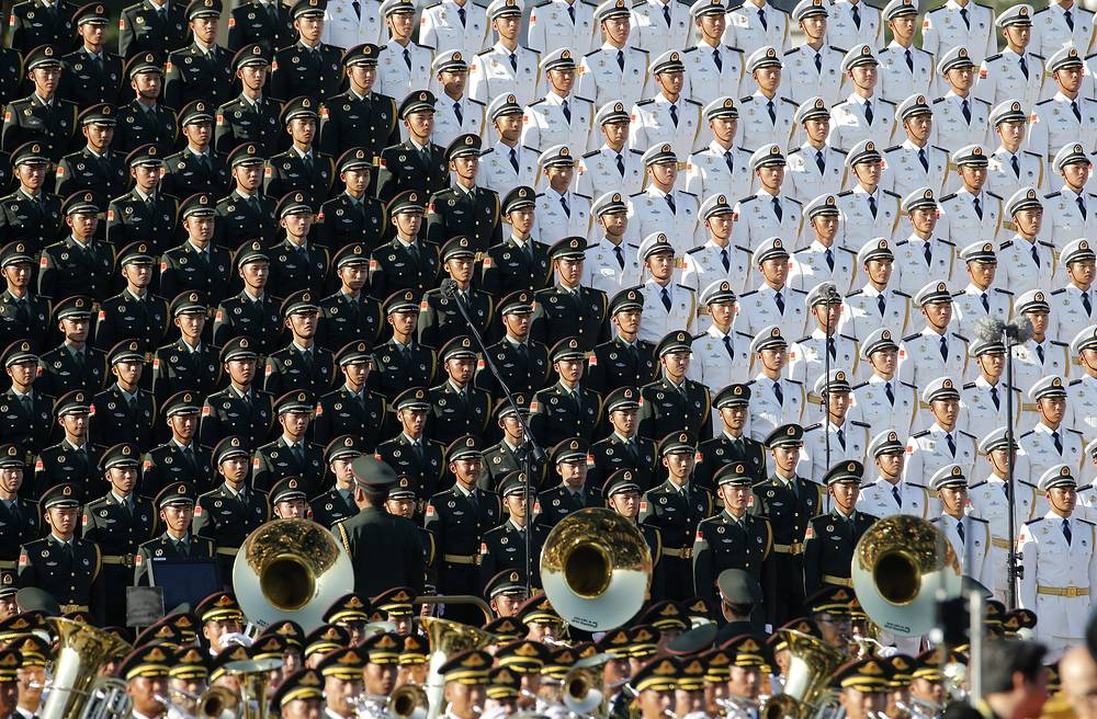 Во время парада на площади Тяньаньмэнь, посвященного 70-летию победы китайского народа в Войне сопротивления Японии и окончания Второй мировой войны, Пекин, 3 сентября