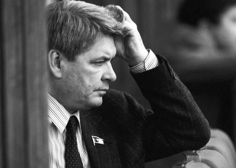 Ректор Московского государственного историко-архивного института Юрий Афанасьев во время работы Второго съезда народных депутатов СССР, 1989 год