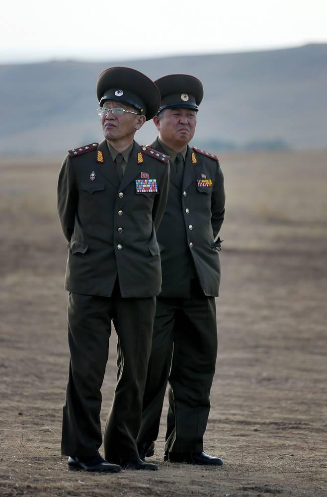 Северокорейские военнослужащие