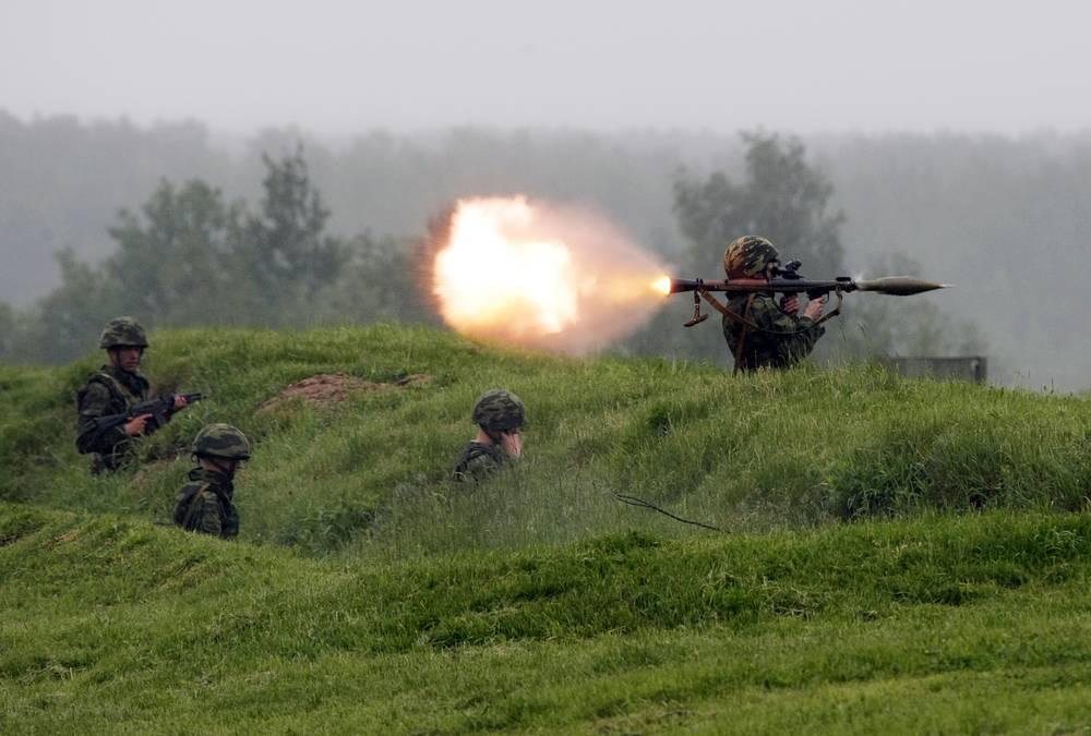 РПГ-7 - многоразовый ручной противотанковый гранатомет для стрельбы кумулятивными боеприпасами