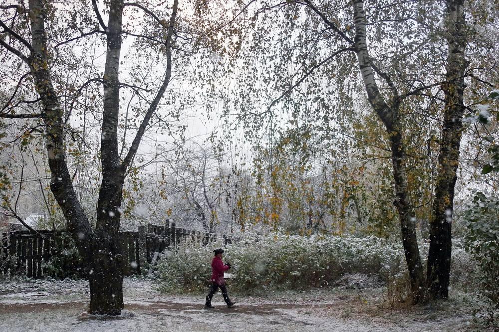 Снегопад на одной из улиц Иванова, 9 октября