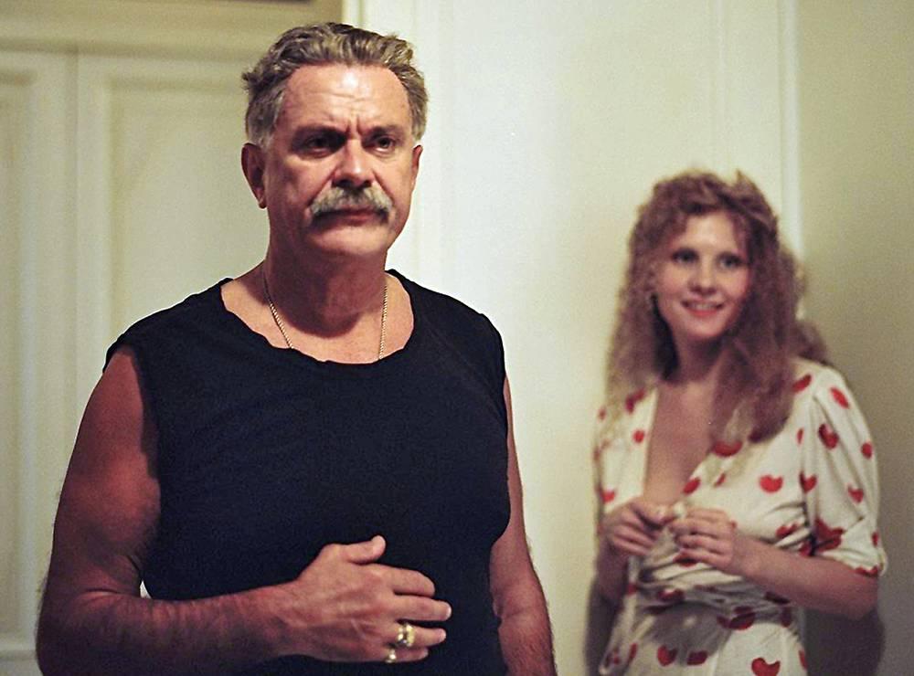 """Никита Михалков и Рената Литвинова в кадре из фильма """"Мне не больно"""", 2006 год"""