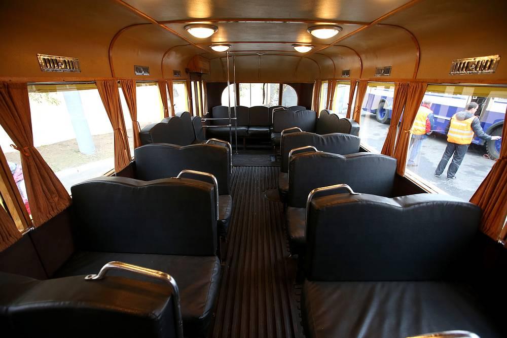 Салон ретро-троллейбуса ЯТБ-1