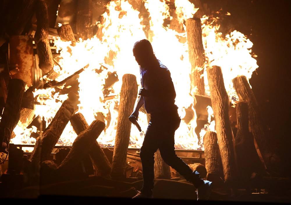 Выступление американского рэпера Кендрика Ламара, получившего Grammy в пяти номинациях