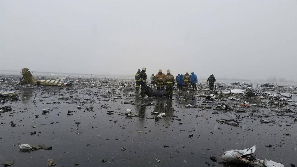 На месте крушения. Самолет, следовавший по маршруту Дубай - Ростов-на-Дону, разбился при повторном заходе на посадку