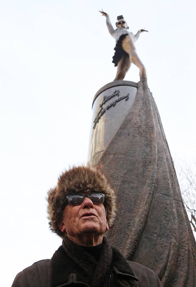 Родион Щедрин во время церемонии открытия памятника балерине Майе Плисецкой