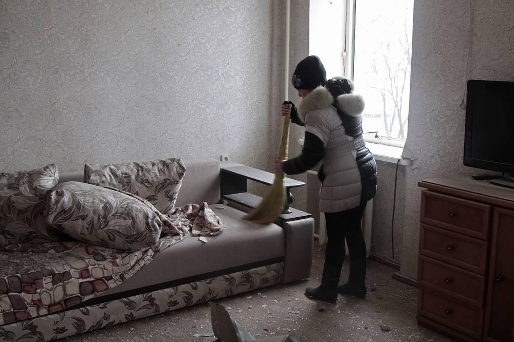 В одной из комнат общежития, поврежденного в результате артиллерийского обстрела