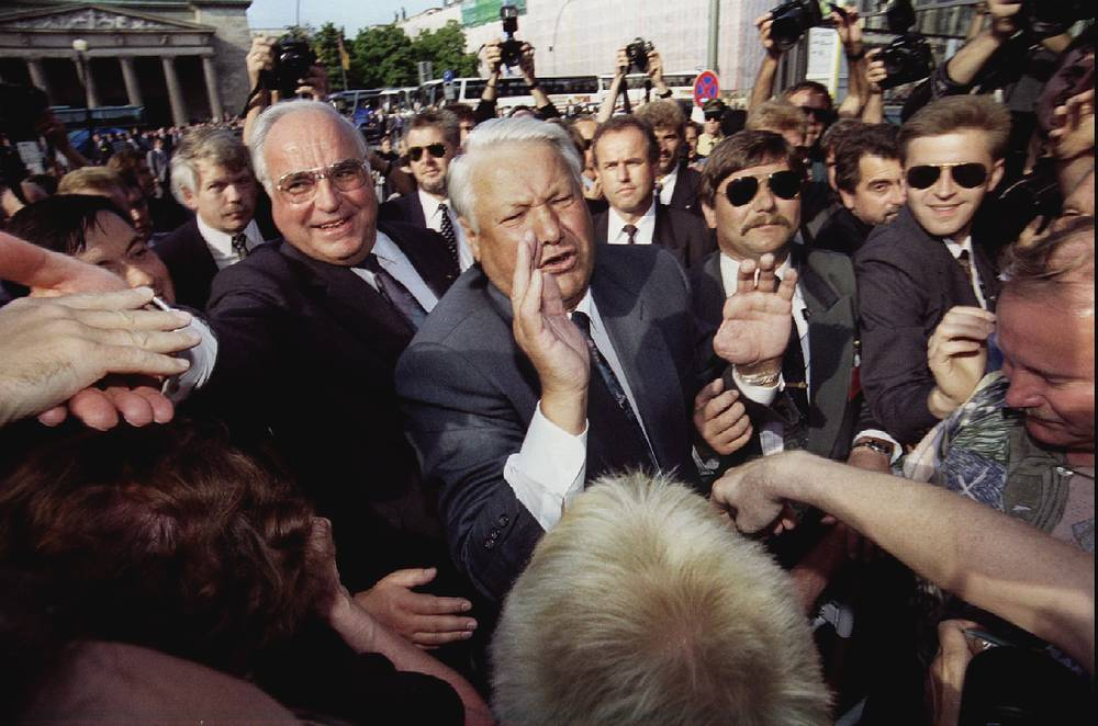 Канцлер ФРГ Гельмут Коль и президент РФ Борис Ельцин. Берлин, 1994 год