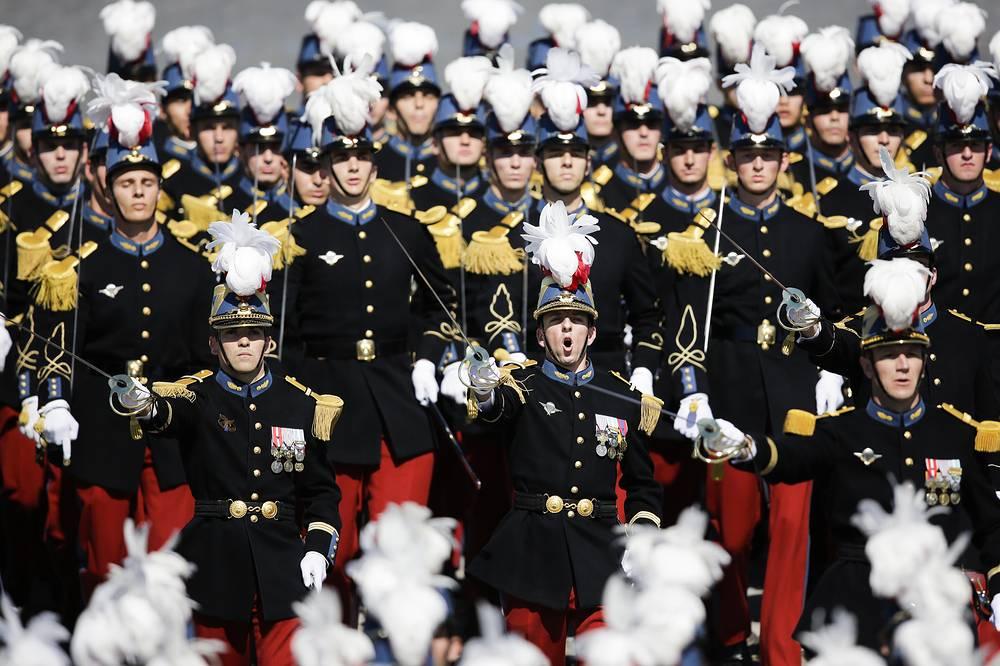 Кавалеристы отдельного полка Республиканской гвардии Франции