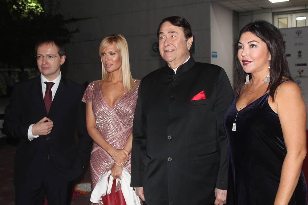 Министр культуры РФ Владимир Мединский, Олеся Судзиловская, Рандхир Капур и Мария Лемешева