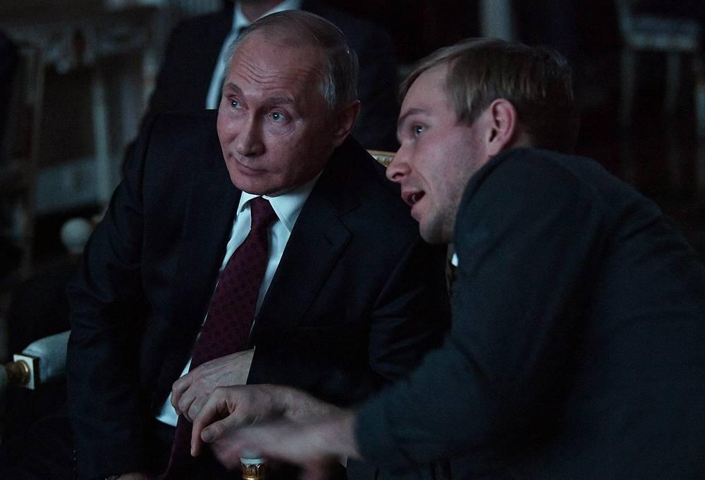 Президент России Владимир Путин и актер Илья Малаков