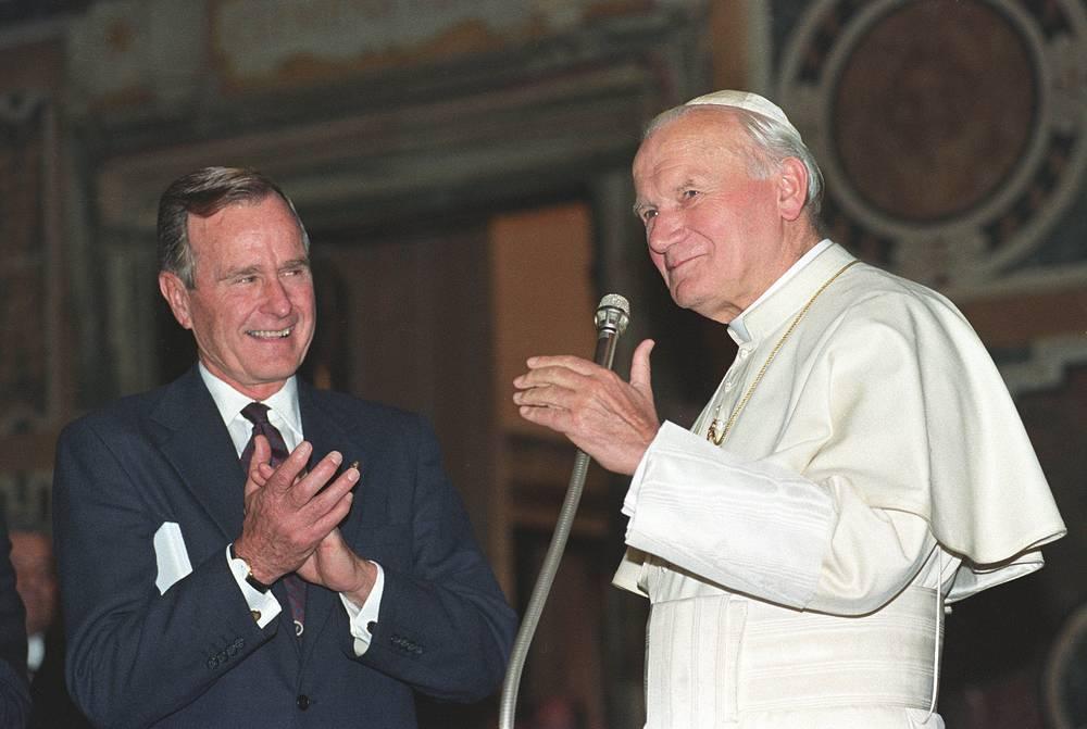 С Папой римским Иоанном Павлом II в Ватикане, 1991 год