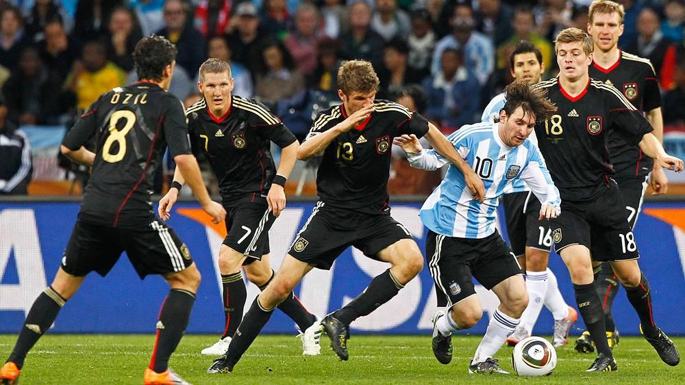 Один против сборной Германии
