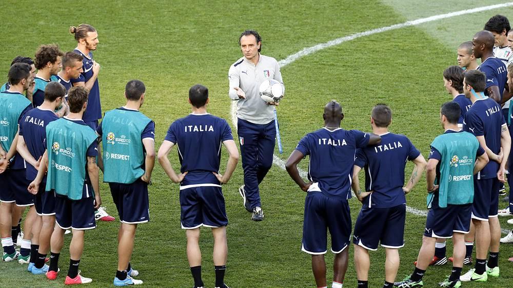 Сборная Италии на тренировке перед финалом Евро-2012