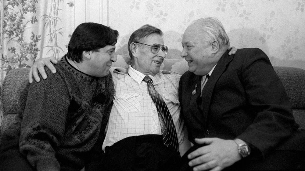 Геннадий Хазанов, Лев Яшин и Николай Озеров, 1990 год