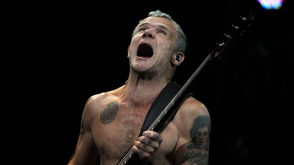 Бас-гитарист группы Red Hot Chili Peppers Майкл Бэлзари