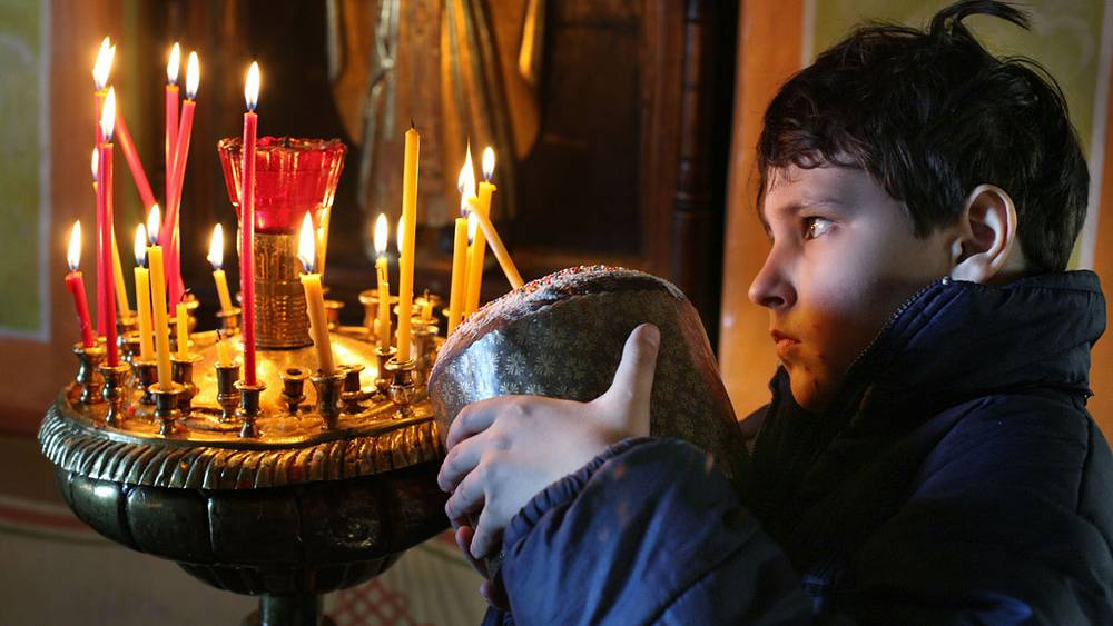 Куличи принято освящать в храме