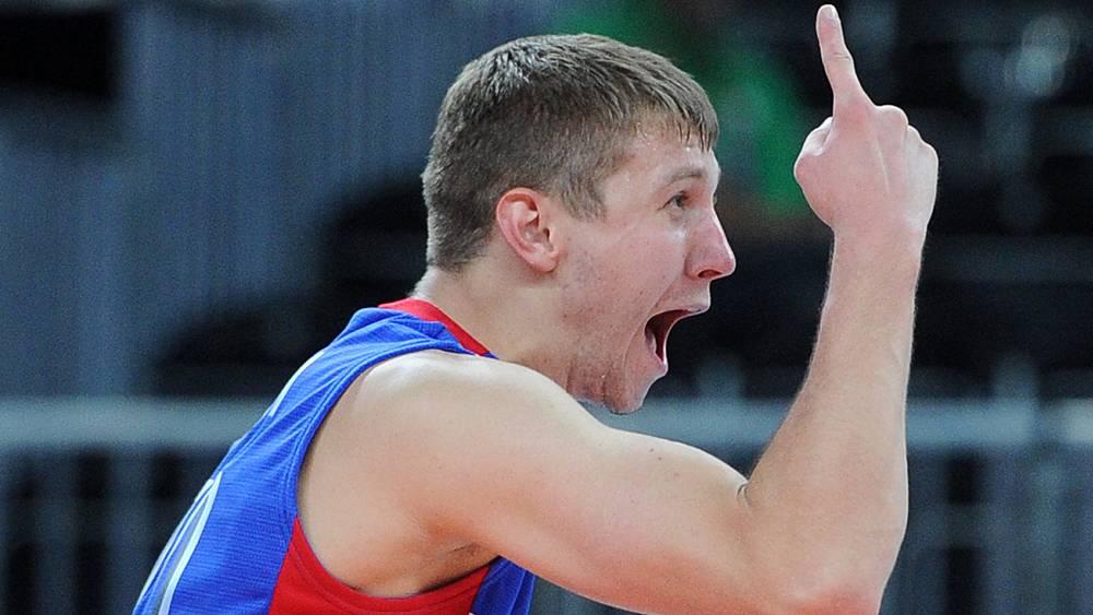 Игрок сборной России Алексей Обмочаев