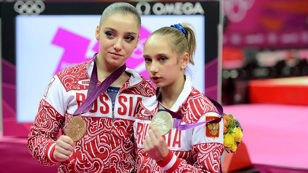 Алия Мустафина и Виктория Комова