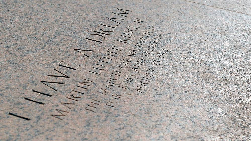 "Место, где Мартин Лютер Кинг произнес ""I Have A Dream"" на ступенях Мемориала Линкольна"