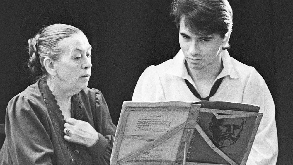 Д. Хворостовский с педагогом Е. Иофель, 1991 год