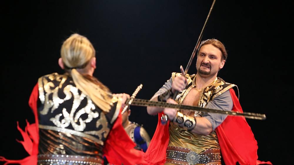 """Шоу """"Камелот"""" братьев Запашных"""