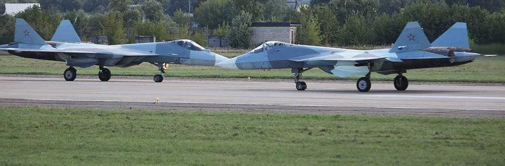 Российские многоцелевые истребители пятого поколения ПАК ФА (Т-50).Фото ИТАР-ТАСС/ Марина Лысцева