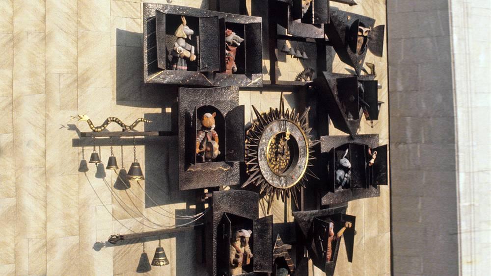 Часы на фасаде Центрального театра кукол. Фото ИТАР-ТАСС/ Валентин Кузьмин
