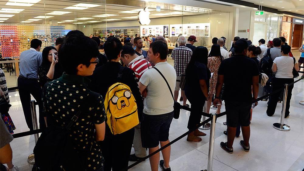 Магазин Apple в Брисбене. Фото  EPA/DAN PELED