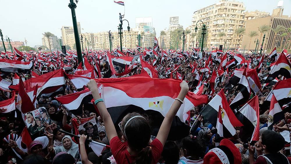 Митинг в Каире, приуроченный к 40-летию начала арабо-израильской войны. Фото EPA/AMEL PAIN