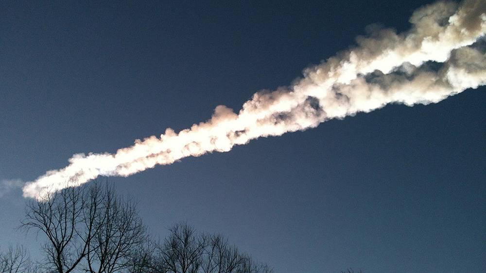 След от падения осколка метеорита. Фото ИТАР-ТАСС/ Виктория Горбунова