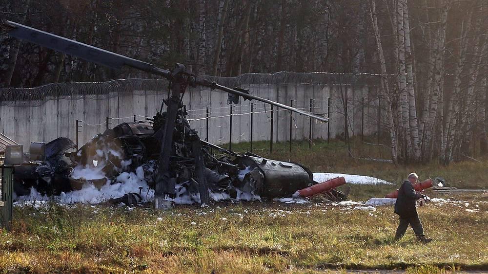 На месте крушения вертолета Ка-52. Фото ИТАР-ТАСС/ Артем Коротаев