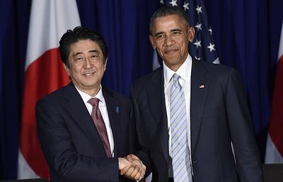 СМИ: премьер Японии заверил США, что сохранит санкции в отношении России