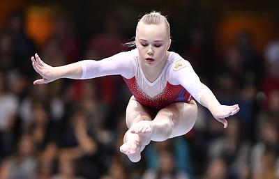 Российские гимнасты Ростов и Мельникова выступят на апрельском этапе КМ в Лондоне